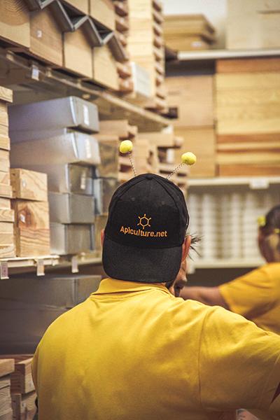 Dans les rayons du magasin d'apiculture.net