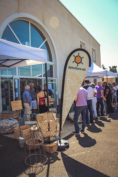 L'extérieur du magasin d'apiculture.net